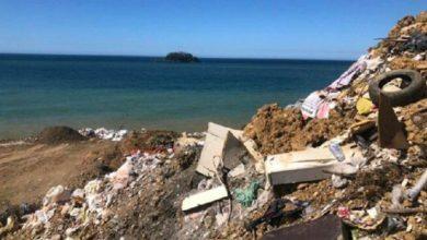 AKP'li Giresun belediyesi denizi moloz ve çöp'le doldurdu