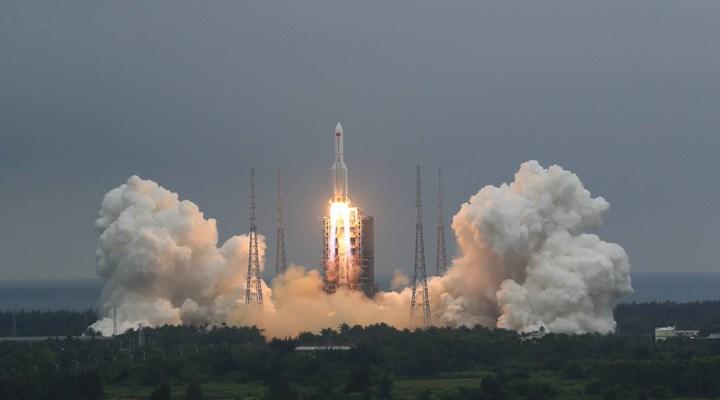 Çin'in 29 Nisan'da uzaya gönderdiği roket, kontrolden çıktı: 10 Mayıs'ta dünyaya düşmesi bekleniyor