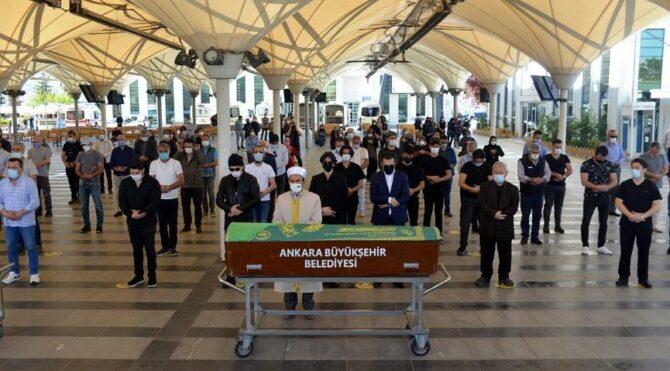 Eşi tarafından işkenceyle öldürülen doktor Zeynep Erdoğan, toprağa verildi