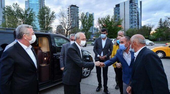 Kılıçdaroğlu ve Mansur Yavaş, taksicilerle iftar yaptı