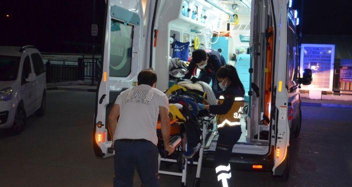 Osmaniye'de tarım işçilerini taşıyan minibüs kaza yaptı: 16 yaralı