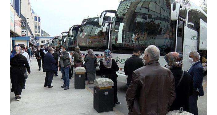 Otogarlarda dönüş yoğunluğu başladı, otobüs biletleri tükendi