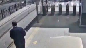 Tramvayın önüne atlayan Abdullah Mayadağlı hayatını kaybetti