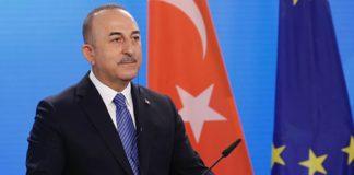 'Turistin görebileceği herkes aşılanacak' sözleri tepki çeken Bakan Çavuşoğlu'ndan açıklama