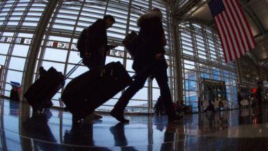 ABD, koronavirüs nedeniyle 90 ülke için yaptığı seyahat uyarısı seviyesini düşürdü