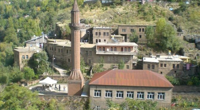Atatürk'ün Bitlis'te namaz kıldığı tarihi cami harabeye döndü