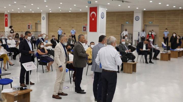 Belediye Meclisi'nde Atatürk'e lanet okuyan imam kınandı, AKP ve MHP'liler salonu terk etti