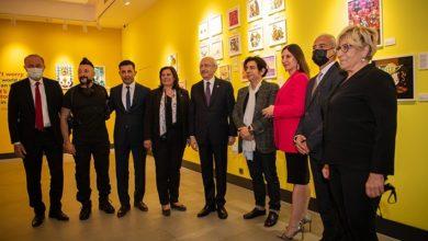 CHP lideri Kılıçdaroğlu, Kuşadası'nda sanat galerisi açtı