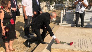 CHP lideri Kılıçdaroğlu, Kutlu Adalı'nın mezarını ziyaret etti