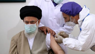 Hamaney, İran'ın yerli aşısı 'COVIRAN Bereket''in ilk dozunu oldu.