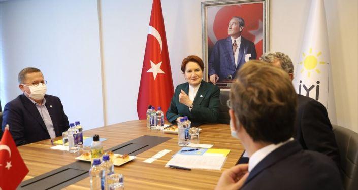 Meral Akşener, TÜSİAD heyetiyle görüştü