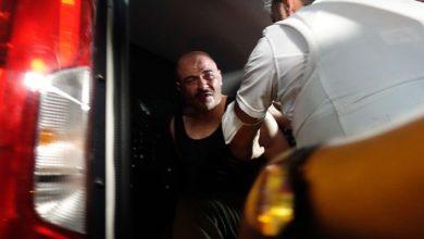 Bursa'da kız kardeşlerini rehin alan erkek polislere ateş açtı