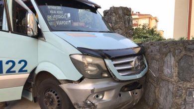 Pendik'te seyir halindeyken minibüsün şoförü vuruldu