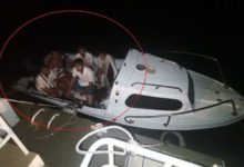 Tekneyle kaçmaya çalışan FETÖ'cüler yakalandı