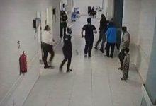 Acil servis doktoruna yumruklu saldırı