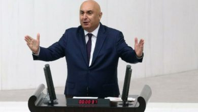 "CHP'li Özkoç'tan, ""Laiklik anayasadan çıkarılmalı"" diyen m AKP'li Resul Tosun'a tepki"