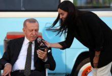 """Erdoğan'dan gençlere """"sosyal medya"""" uyarısı: Yönlendirmeyle asla fikir ve tutum belirlemeyin kendiniz olun"""