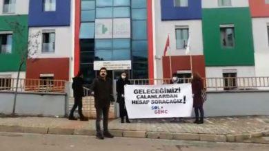 TÜGVA üyeleri, vakfı protesto eden gençlere saldırdı!